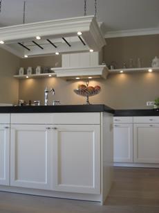 Eigentijdse keuken met kookeiland chris de graaf - Afbeelding eigentijdse woonkamer ...