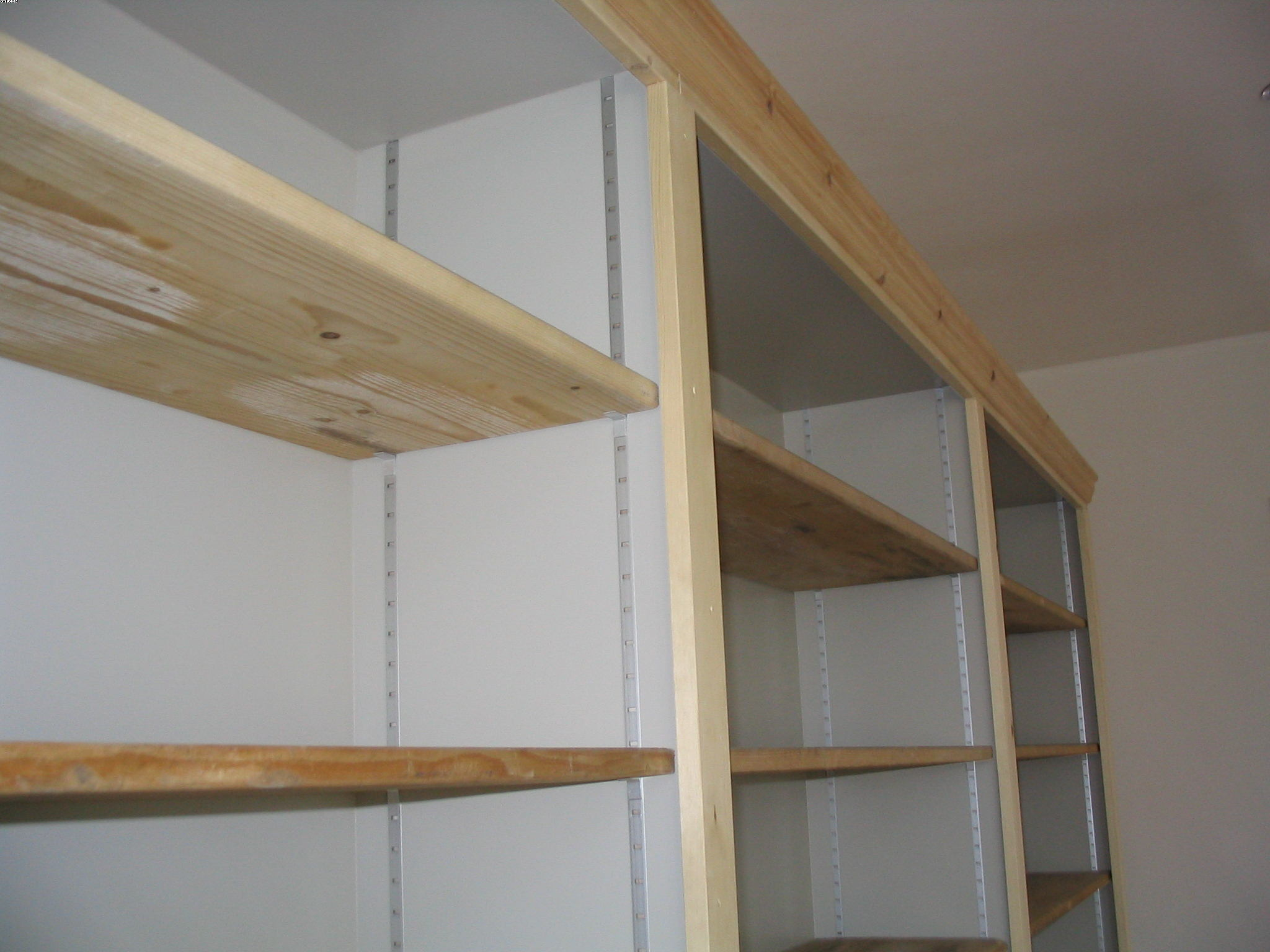 Boekenkast chris de graaf interieurtimmerwerk - Planken maken in een kast ...