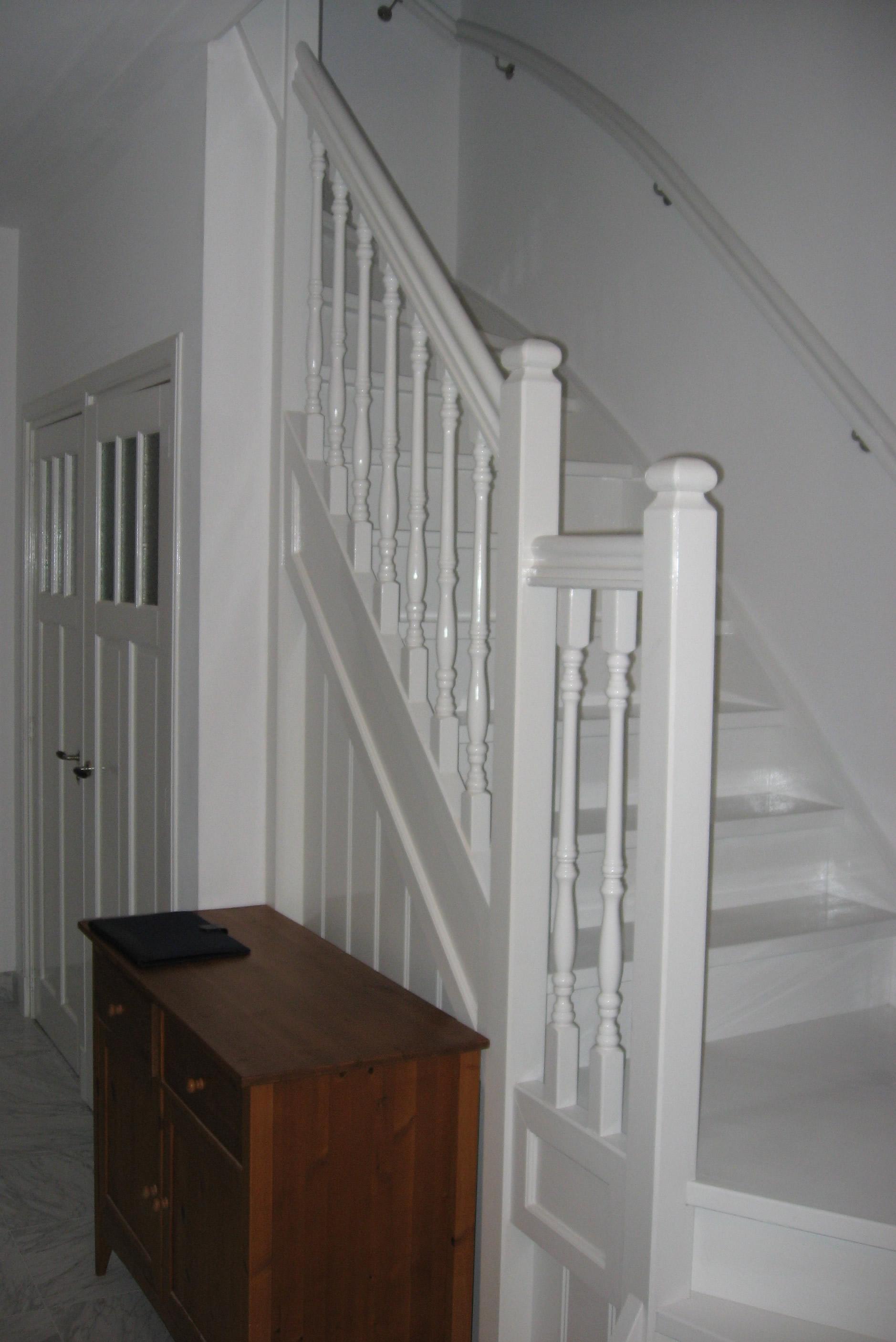 Chris de graaf interieurtimmerwerk trappen - Renovatie houten trap ...